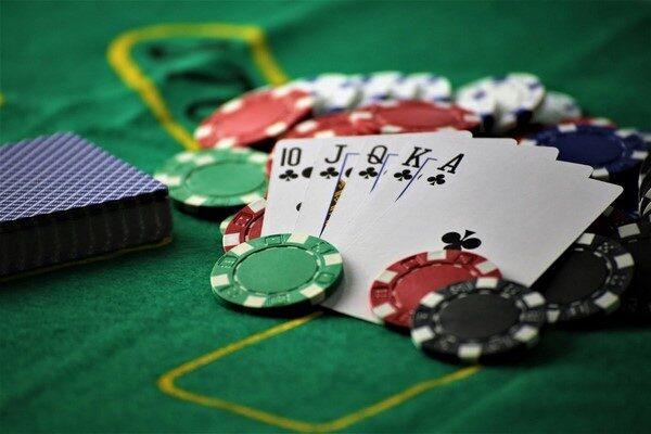 Đăng ký chơi game đánh bài ăn tiền online